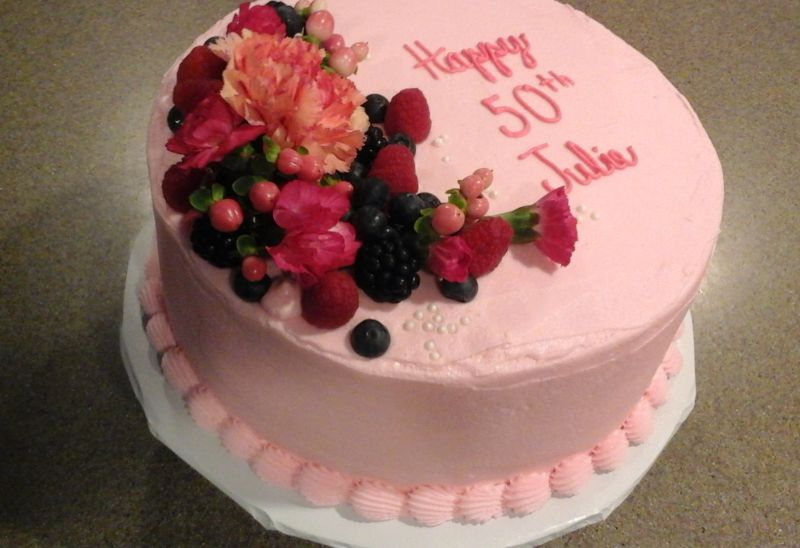 A Simple But Elegant Cake Design For Special Birthday